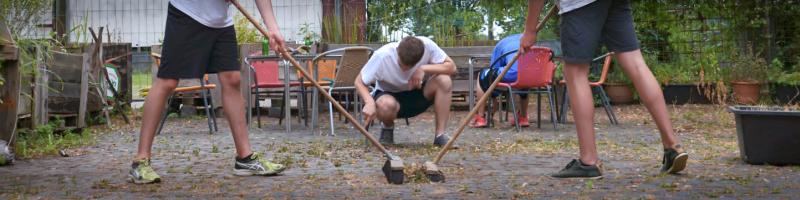 Arbeiten und Handwerk im Workcamp in KZ-Gedenkstätte