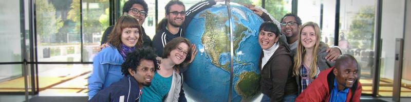 Zusammenkunft von Freiwilligen von weltweit
